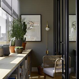 На фото: балконы и лоджии среднего размера в современном стиле