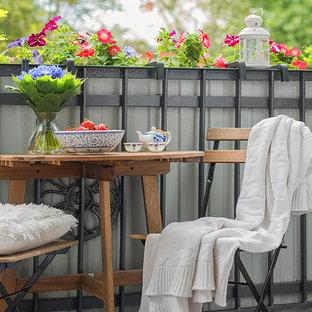 Новый формат декора квартиры: балкон и лоджия в скандинавском стиле с растениями в контейнерах без защиты от солнца
