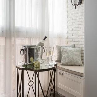 На фото: балкон и лоджия в стиле современная классика
