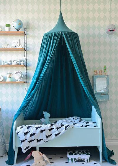 idea to steal ein baldachin im kinderzimmer. Black Bedroom Furniture Sets. Home Design Ideas