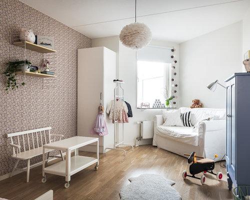 chambre d 39 enfant scandinave avec un mur violet photos et id es d co de chambres d 39 enfant. Black Bedroom Furniture Sets. Home Design Ideas