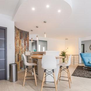 Idée de décoration pour un bar de salon avec évier linéaire design avec un plan de travail en bois, un sol beige et un plan de travail marron.