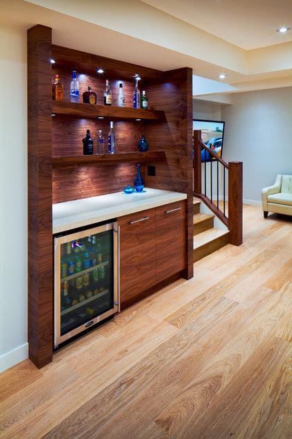 Modern Basement by Cedarglen Homes