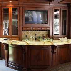 Traditional Basement by Moran's Custom Kitchens, Inc.