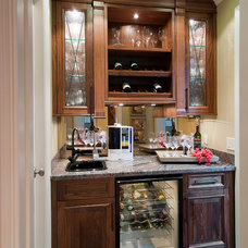 Modern Basement by Old World Kitchens & Custom Cabinets