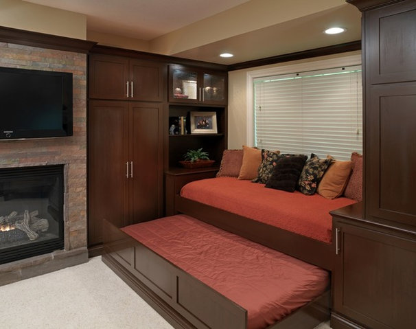 Modern Basement by Finish Line Building