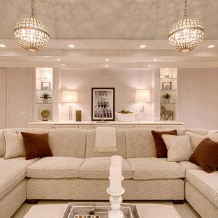Idées déco pour un grand sous-sol contemporain donnant sur l'extérieur avec un mur beige, un sol en bois foncé, aucune cheminée et un sol blanc.