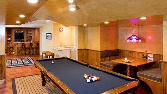 Basement - Pool and Bar