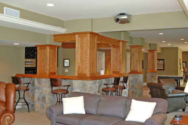 Traditional Basement by Wilderness Construction Inc.