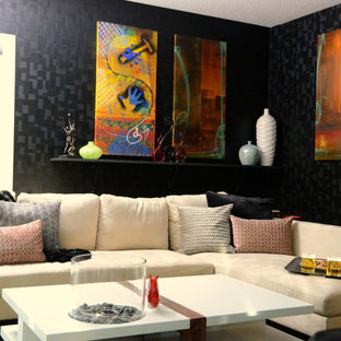Idées déco pour un sous-sol moderne de taille moyenne avec un mur noir.