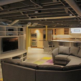 Cette image montre un sous-sol design avec un sol gris.