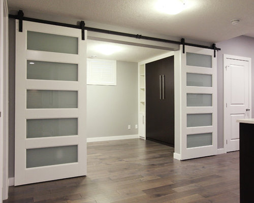 Big Master Bedroom With Walk In Closet And Ensuite Bath