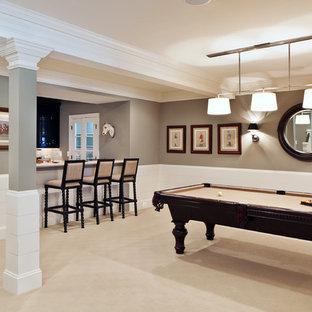 Неиссякаемый источник вдохновения для домашнего уюта: подвал в стиле современная классика с серыми стенами, ковровым покрытием и выходом наружу
