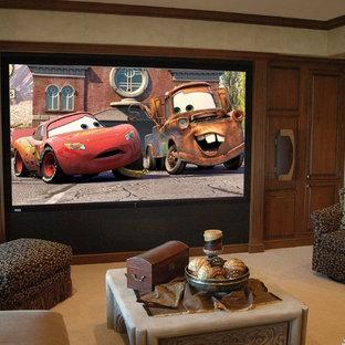 Idées déco pour un grand sous-sol classique donnant sur l'extérieur avec un mur beige, moquette, un sol beige, un poêle à bois et un manteau de cheminée en bois.