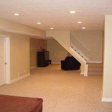 Traditional Basement by R.H. Homes Ltd.
