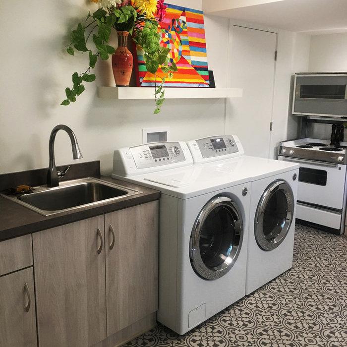 Laundry/ Entertainment Room