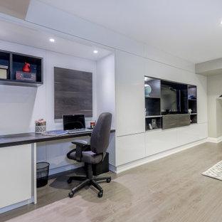 Leaside, Toronto | High gloss TV wall and Office