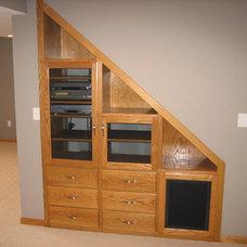 Contemporary Basement by Edvenson Homes, Inc.