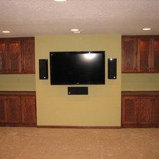 Traditional Basement by Edvenson Homes, Inc.