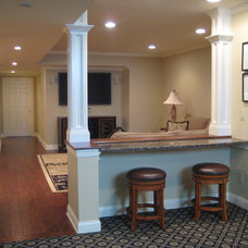 Traditional Basement by IDEAL CDR