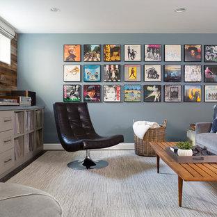 Imagen de sótano con ventanas vintage, de tamaño medio, sin chimenea, con paredes grises, suelo de baldosas de cerámica y suelo gris