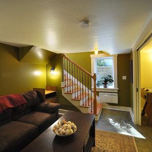 Idées déco pour un petit sous-sol craftsman enterré avec un mur vert, béton au sol et aucune cheminée.