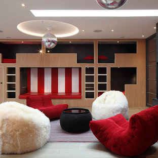 This is an example of a contemporary basement in London.