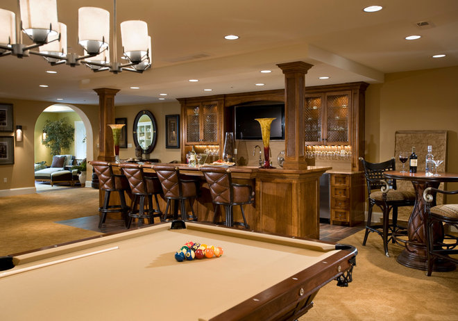 Traditional Basement by Guidi Homes