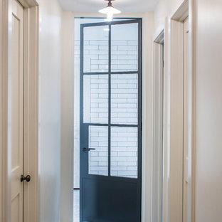Inspiration pour un sous-sol minimaliste.
