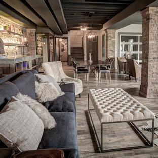 Idée de décoration pour un grand sous-sol champêtre donnant sur l'extérieur avec un sol en vinyl et aucune cheminée.
