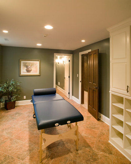 Traditional Basement by Lifestyles Custom Homes & Remodeling, Inc.