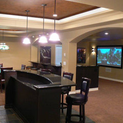 traditional basement by Novacon Construction Inc