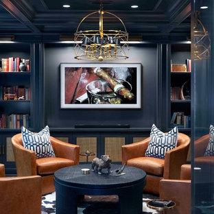 Свежая идея для дизайна: подземный, большой подвал в стиле современная классика с серыми стенами, темным паркетным полом и коричневым полом без камина - отличное фото интерьера