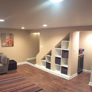 Inspiration for a timeless basement remodel in Chicago