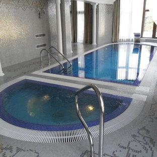 Foto di una piscina mediterranea rotonda di medie dimensioni