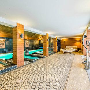 Неиссякаемый источник вдохновения для домашнего уюта: прямоугольный бассейн в доме в восточном стиле с джакузи