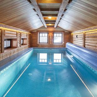 Inspiration för en stor lantlig rektangulär, inomhus pool