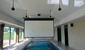 Кинотеатр в бассейне