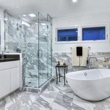 Contemporary Bathroom by Jeff Pittman Homes