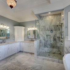 Traditional Bathroom by Emerald Coast Real Estate Photography