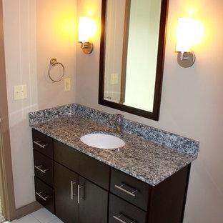 Bathroom - contemporary bathroom idea in Nashville