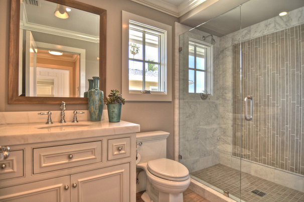 Beach Style Bathroom by Spinnaker Development