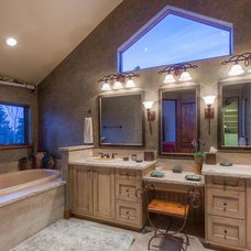 Rustic Bathroom by Paffrath & Thomas Real Estate