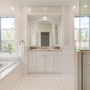 Свежая идея для дизайна: ванная комната в стиле неоклассика (современная классика) с фасадами в стиле шейкер, белыми фасадами, накладной ванной, угловым душем, серыми стенами, полом из мозаичной плитки, врезной раковиной, белым полом, белой столешницей, тумбой под одну раковину, встроенной тумбой и панелями на части стены - отличное фото интерьера