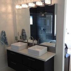 Modern Bathroom by A K Smith Architects