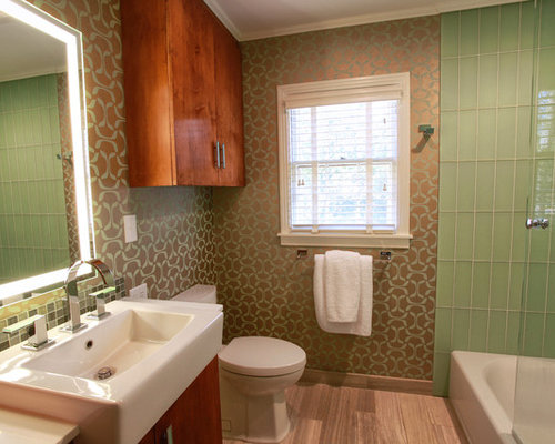 1940 bathroom design ideas remodels photos with glass tile for Bathroom ideas 1940