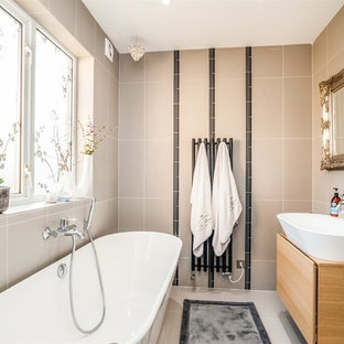 2 Bedroom Maisonette - Family bathroom