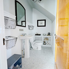 Bathroom by Mustard Seed Interiors