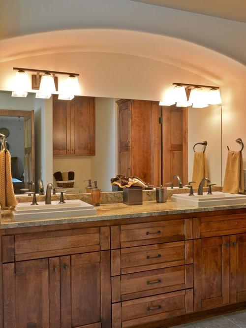 rustikale badezimmer mit porzellanfliesen design ideen. Black Bedroom Furniture Sets. Home Design Ideas