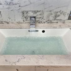 Contemporary Bathroom by Phil Kean Designs